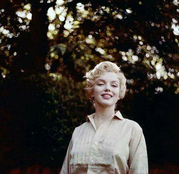 Marilyn in a hair test for The Prince and The Showgirl, 1956. Photo by Milton Greene.