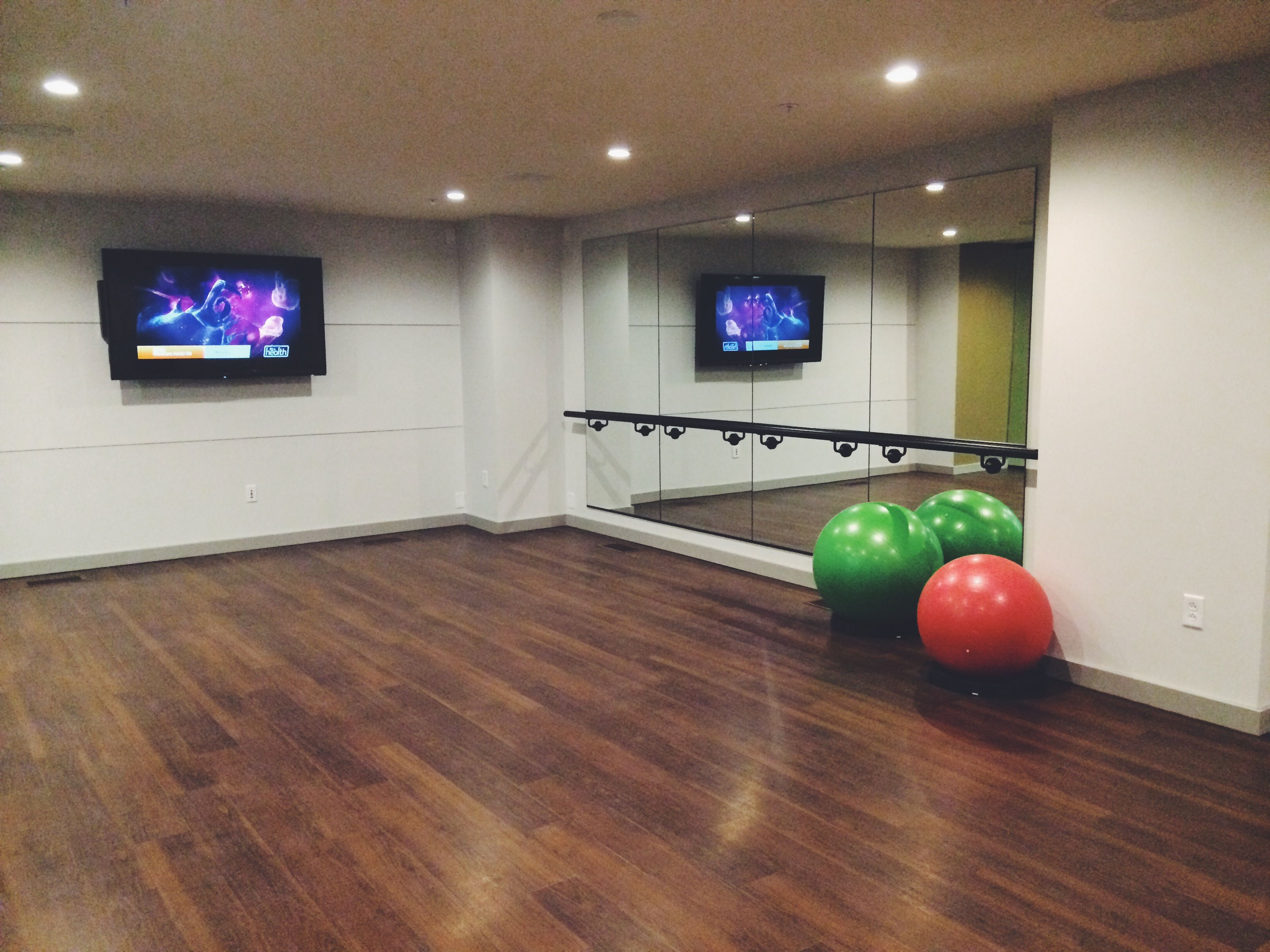 Pin By Sky House On Sky House Inside And Out Workout Rooms House Inside Urban Living