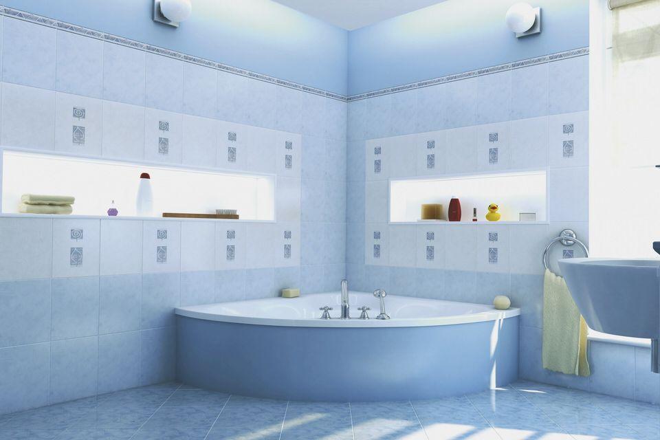 Familienbad in Blau und Weiß. #Badezimmer #Maritim # ...