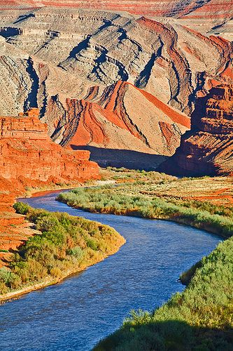 The San Juan River snakes towards the Raplee Anticline in southeast Utah