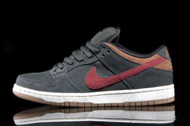 new concept d5852 42218 NIKE SB DUNK LOW PRO (CORDUROY PACK) | Sneaker Freaker ...