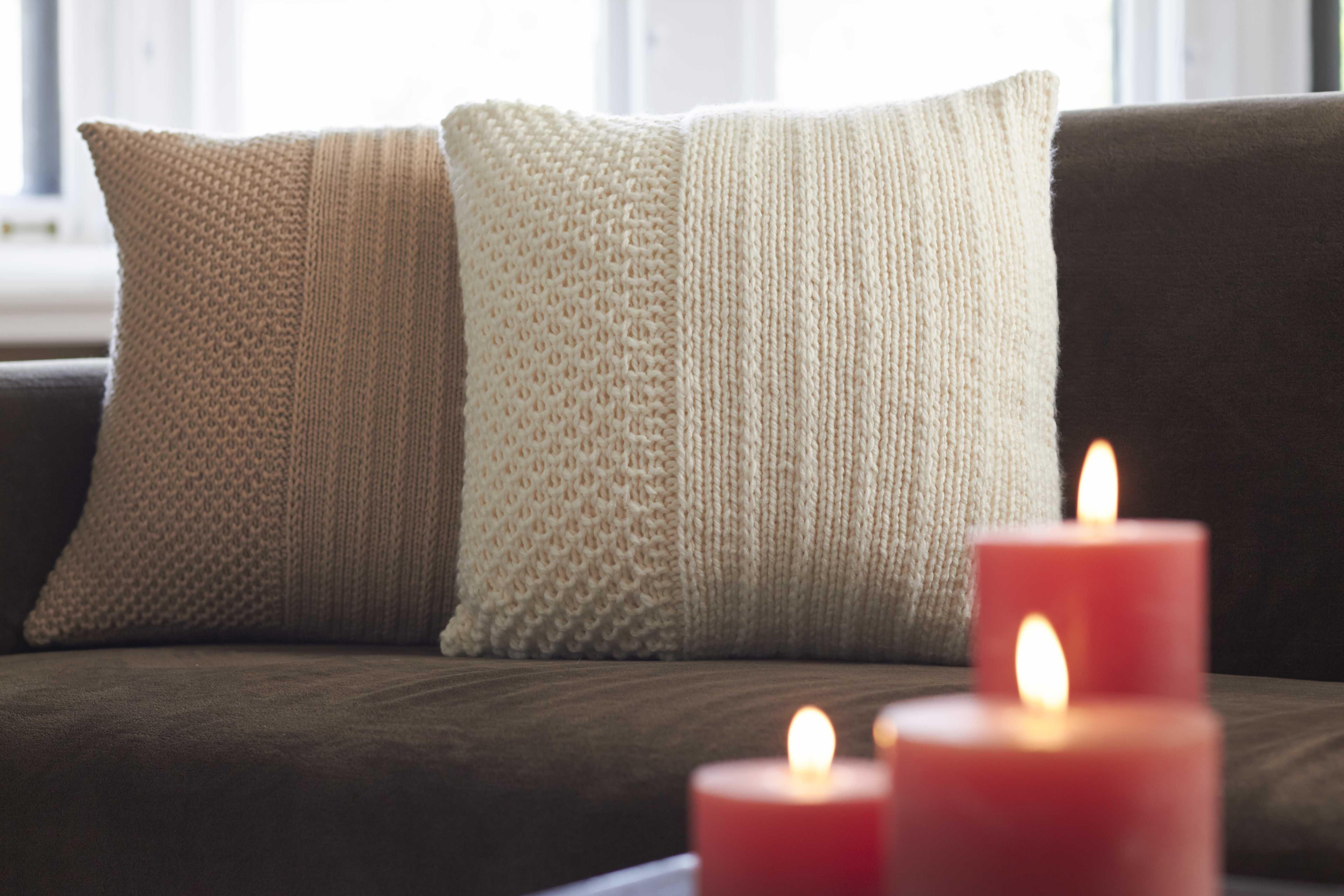 Bernat® Harvest Home Textured Pillows #harvesthome #knit #pattern