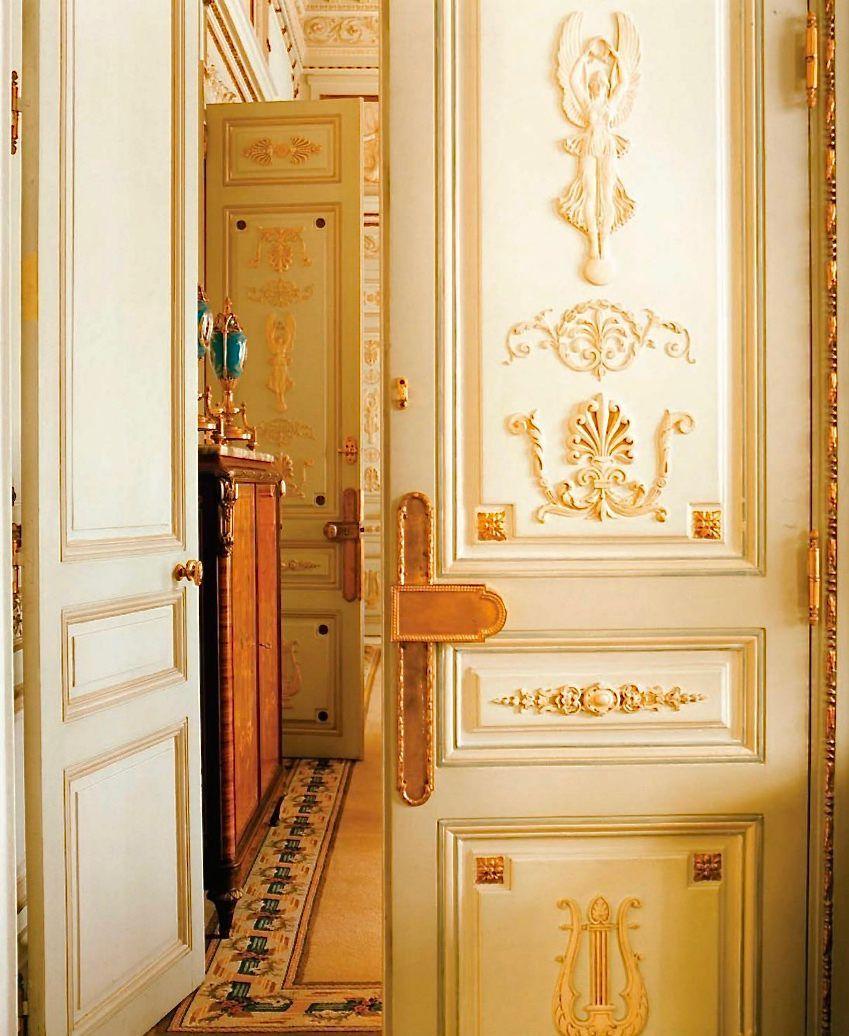3c848eed513f2 entrance to a Ritz Paris suite, photo Pascal Chevallier:Gamma-Rapha-1