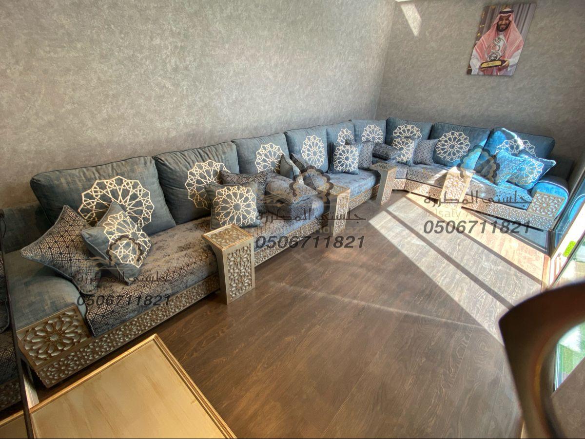 مجلس مغربي ارضي روعة من تصميم وتنفيذ جلستي المطرزة جوال التواصل 0506711821 Sectional Couch Home Decor Decor