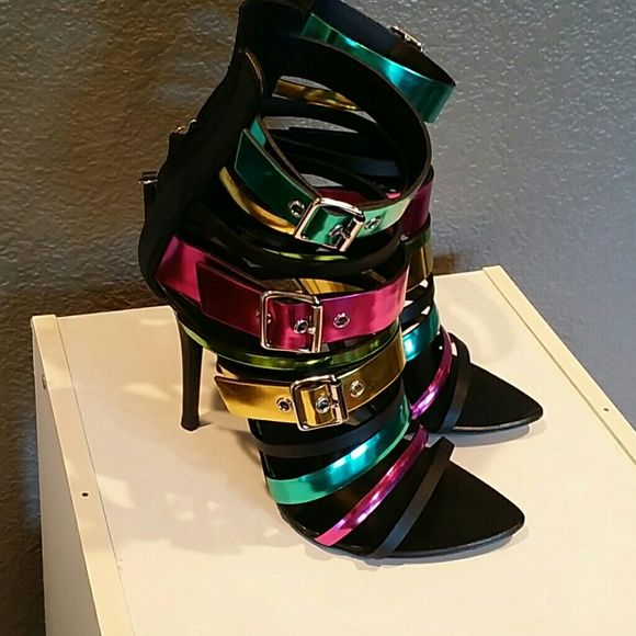 Giuseppe zanotti strappy boots sandals 36.5 In excellent condition, wore once Giuseppe Zanotti Shoes