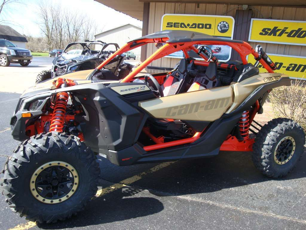Can Am X3 For Sale >> New 2017 Can Am Maverick X3 X Rs Turbo R Gold Can Am Red