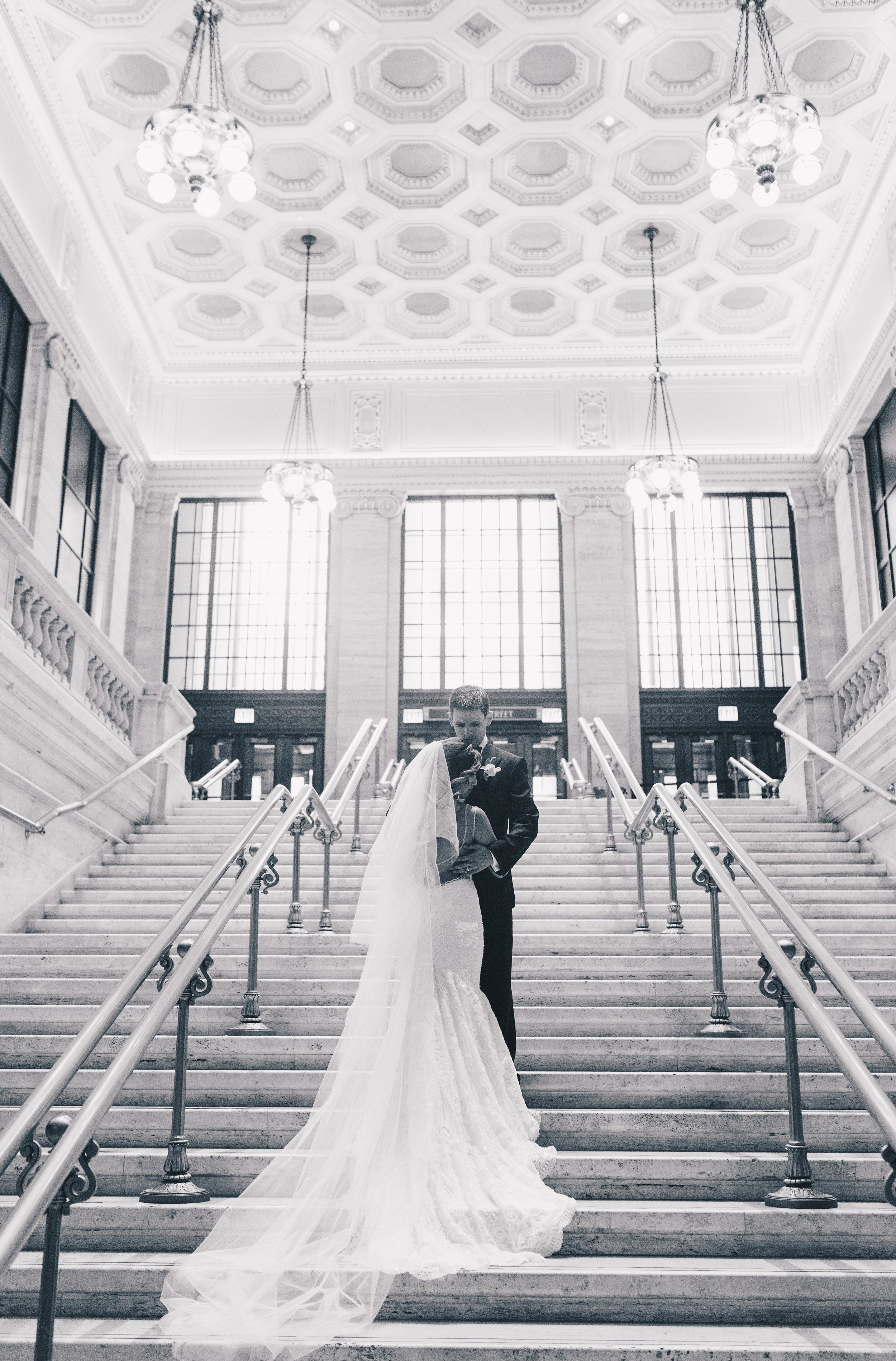 Chicago Bride And Groom Photos Chicago Wedding Chicago Wedding Photographer Chicago Elopement P In 2020 Chicago Wedding Bride And Groom Photos Wedding Photographers