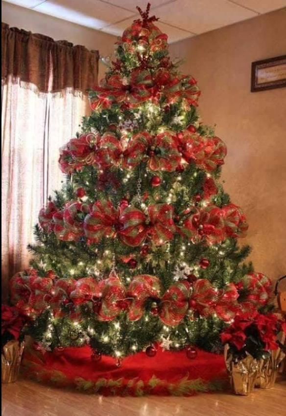 Pin By Jen Hartnett On Christmas Treesinside Pinterest
