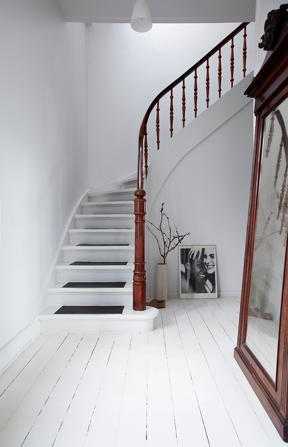 High Quality Whitewashed Wood Panel Floors, A Curvilinear Staircase, And Dark Stained  Wood In Iben And Niels Ahlbergu0027s Book, New Style Generation, Gen One (photo  And ...