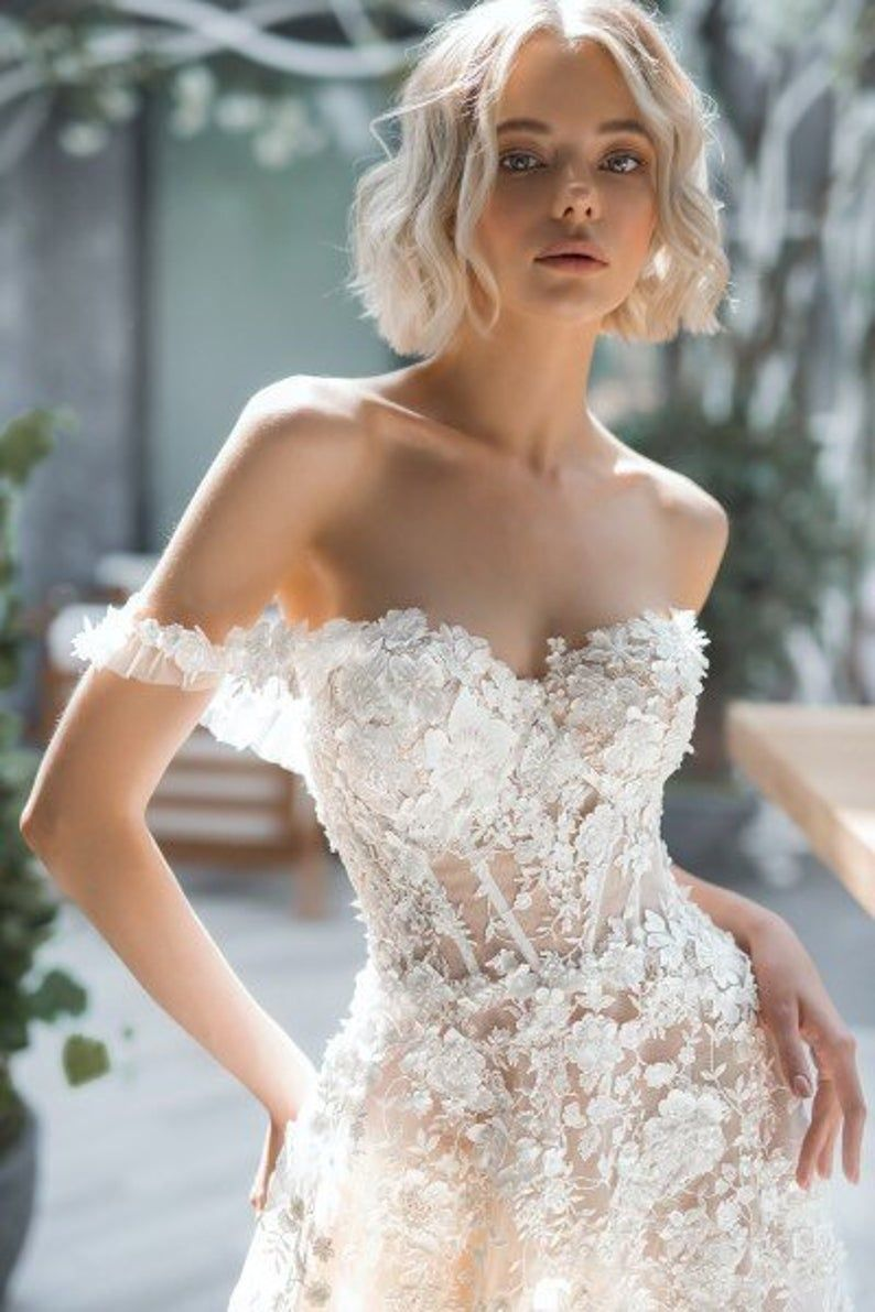 3d lace Elegant boho ivory wedding dress blush white