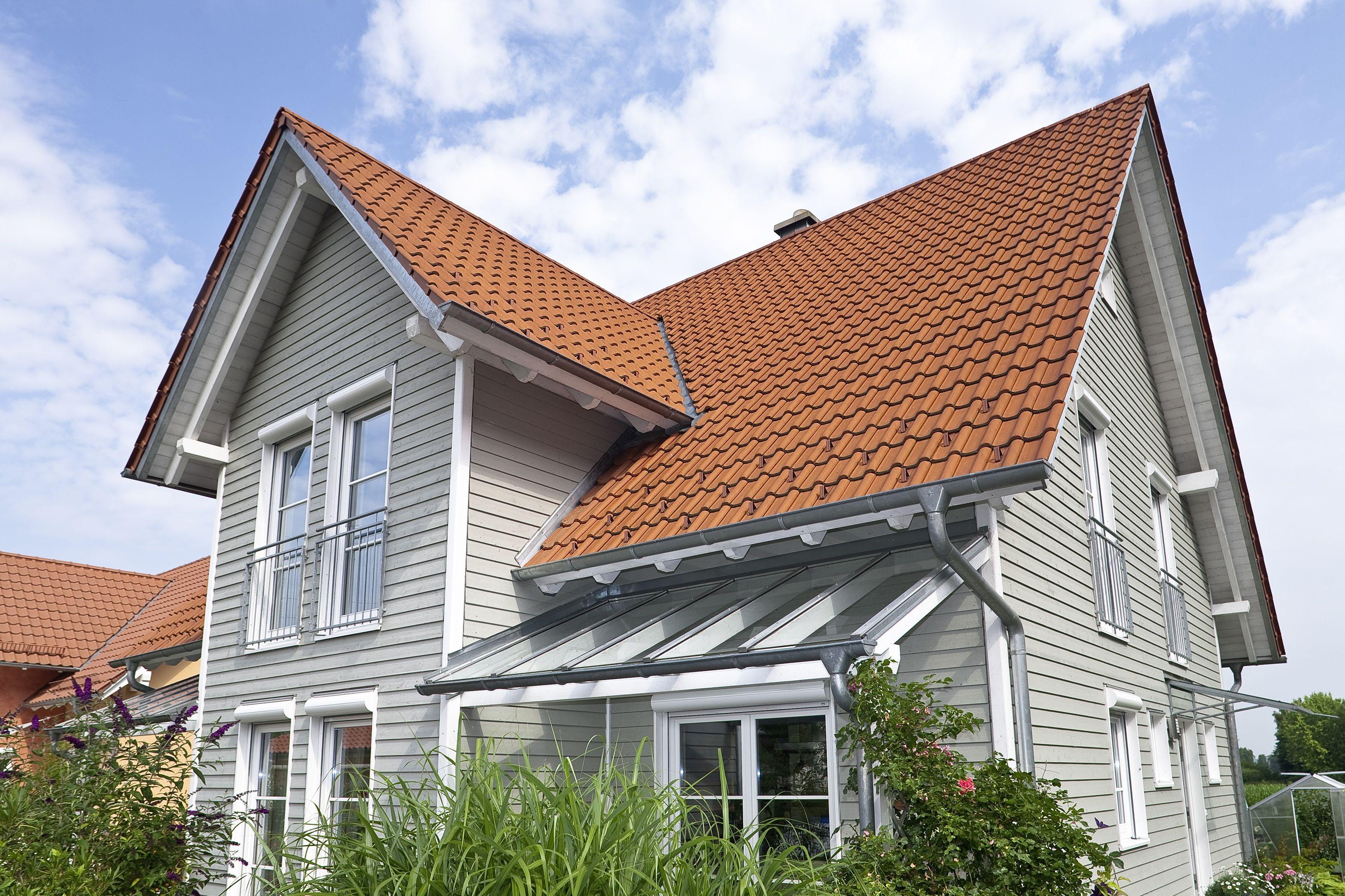 Dachgaube Modern holzhaus mit holzfassade in grau holzhaus aumann haus