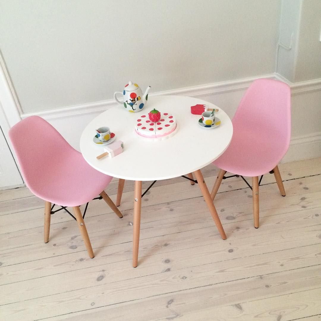 traben till bord - Jollyroom Alice Fox Table And Chairs White Pink Http Www [mjhdah]https://c8.alamy.com/comp/M2836N/bridge-gate-landmark-of-traben-trarbach-moselle-river-rhineland-palatinate-M2836N.jpg