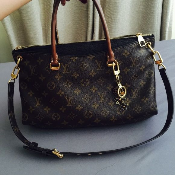 Yes 4 Trade 👍 Louis Vuitton Pallas Noir Will only trade for a Rolex   LV  only Louis Vuitton Bags Shoulder Bags 7b8b304c9bc59