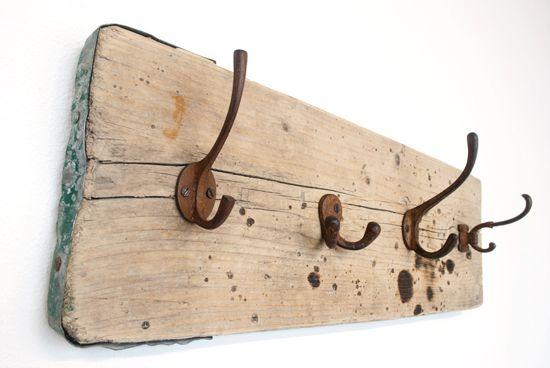 Ruw Meubelen - kapstok van steigerhout
