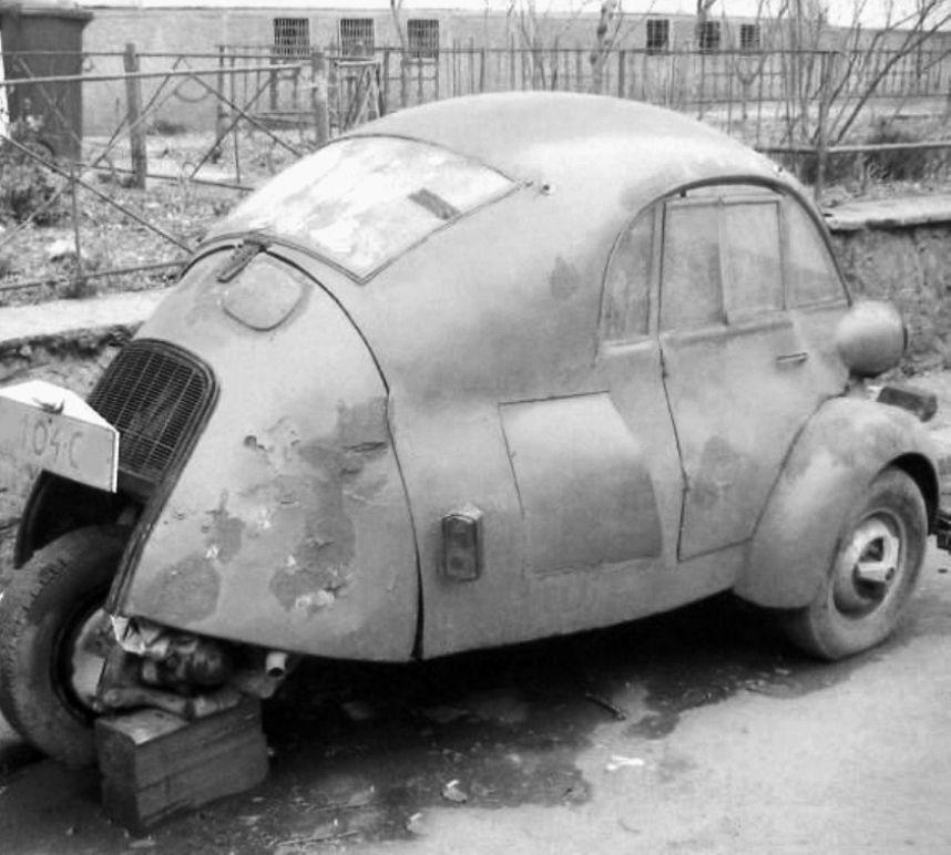 Oszkár Beke\'s Isetta 236cc 1957 Oszkár Beke built this car after he ...