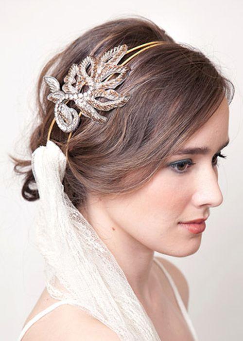 Diadema en color dorado para novia - Lia Terni Bodas Pinterest