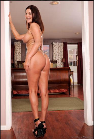 Hot full naked women