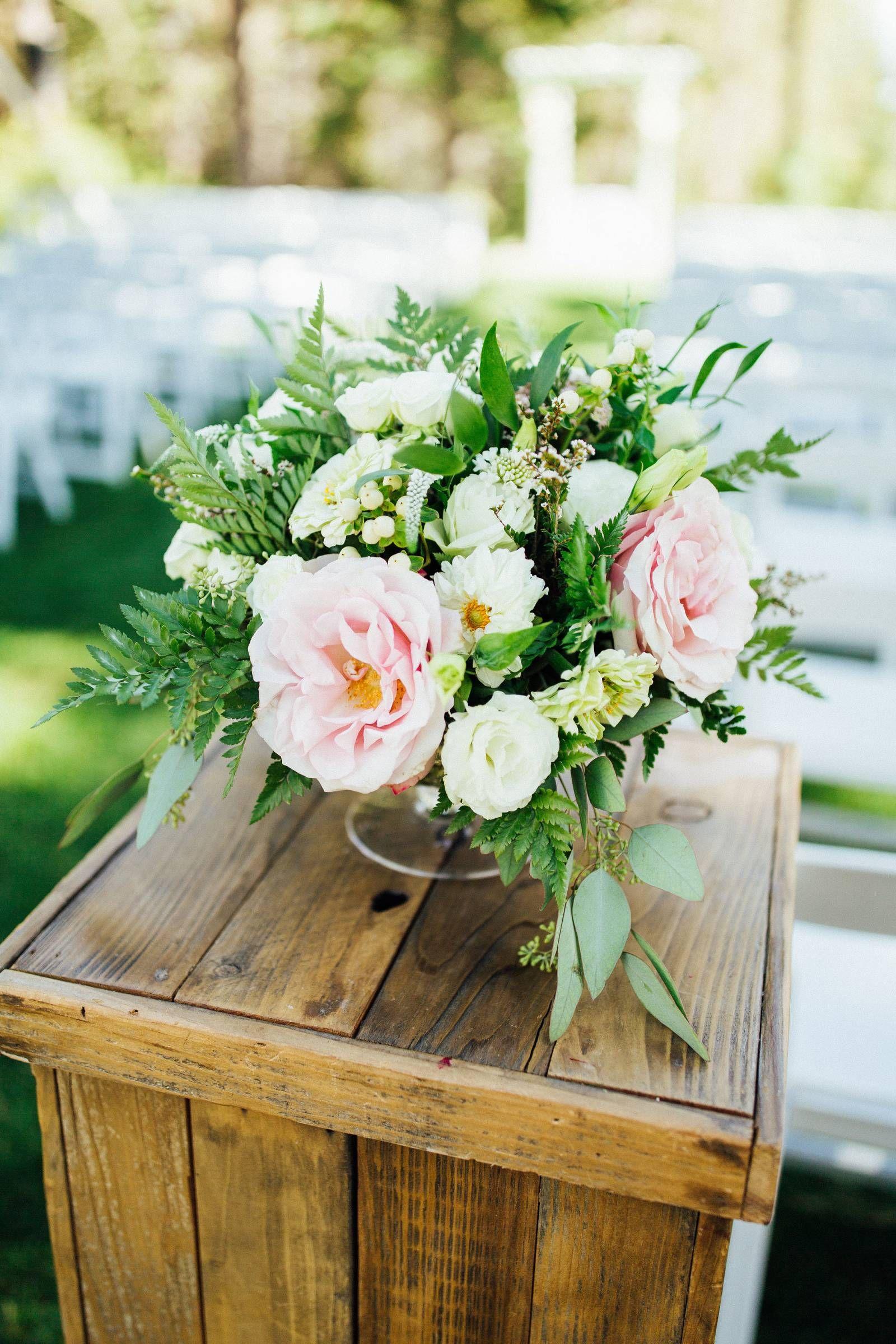 Alyssa Jason S Tahoe Donner Wedding With Images Tahoe Wedding Lake Tahoe Weddings Real Weddings