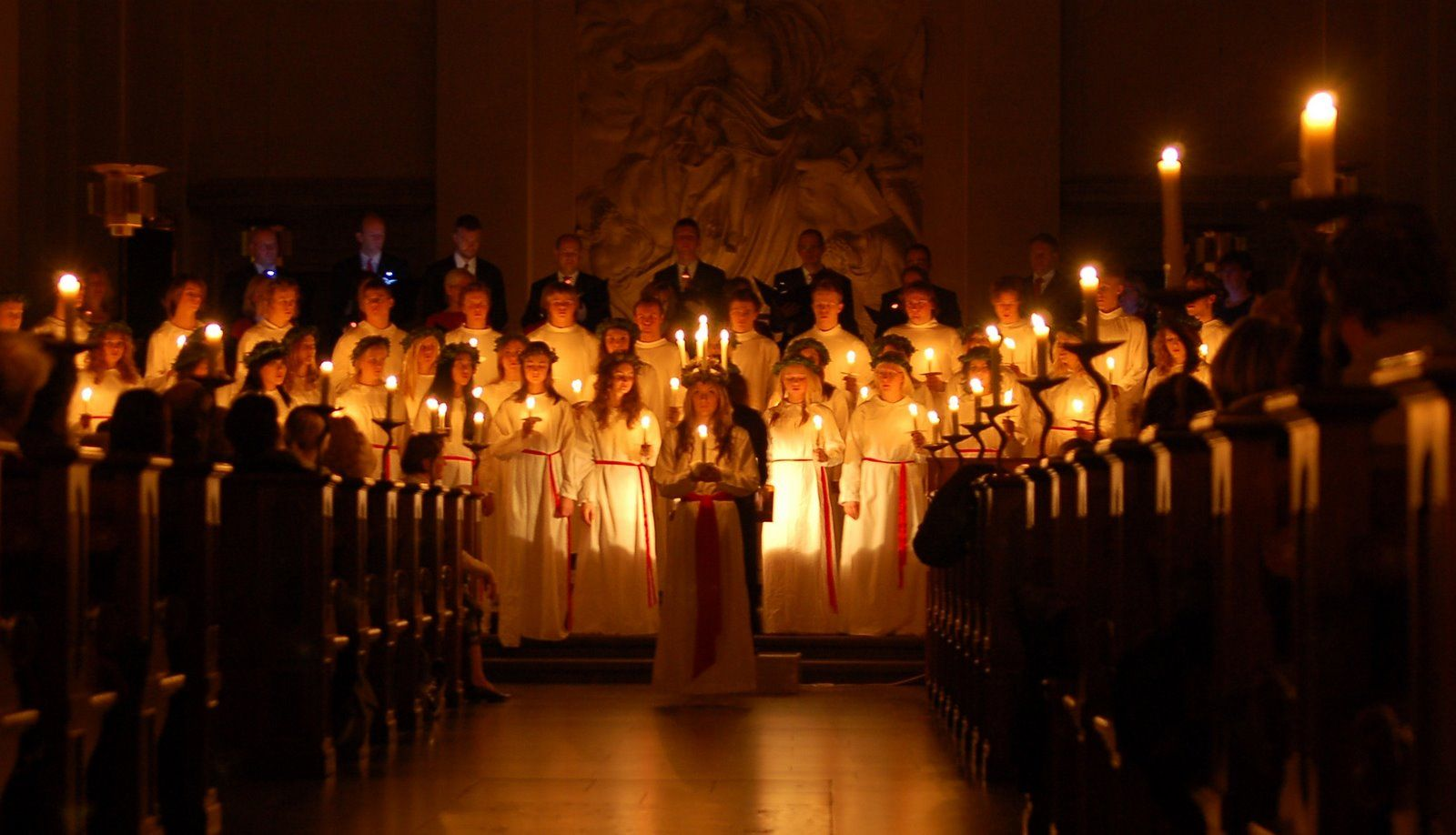 Http Scandelights Files Wordpress Com 2011 12 Luciatc3a5g Jpg Alternative Christmas Santa Lucia Day Christmas Celebrations