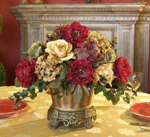 Dining room table centerpiece ideas floral centerpieces for Dinner table flower arrangements