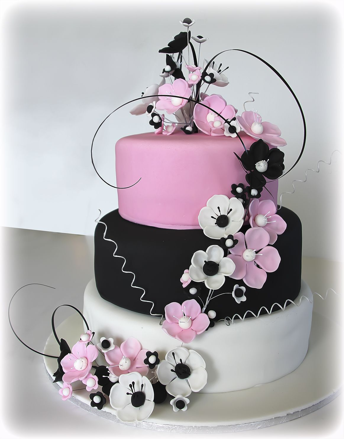 pink white and black wedding cakes anemone cake in pink black white pink black white 18598