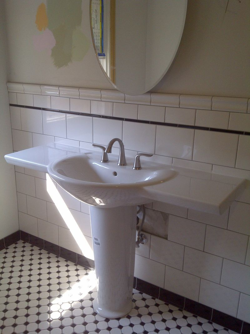 Now That Is A Pedestal Sink Old School Renovations Inc Pedestal Sink Sink Pedistal Sink