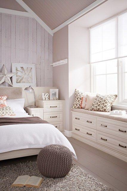 Window Seat Bedroom Design Ideas
