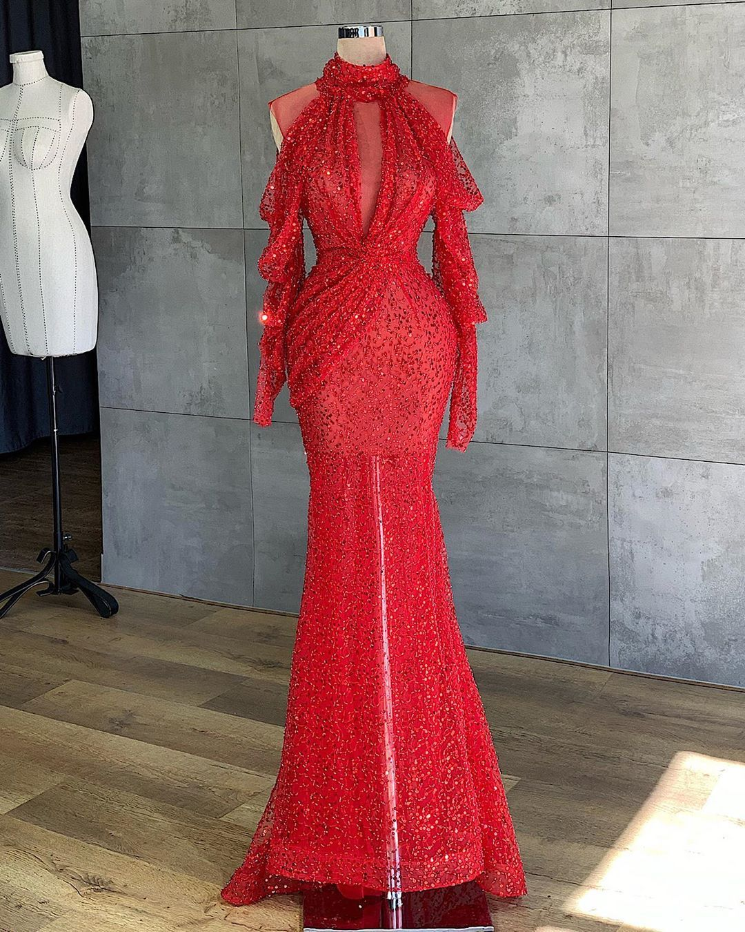 Pin By April On Dresses In 2020 Stunning Dresses Little Red Dress Dresses [ 1350 x 1080 Pixel ]