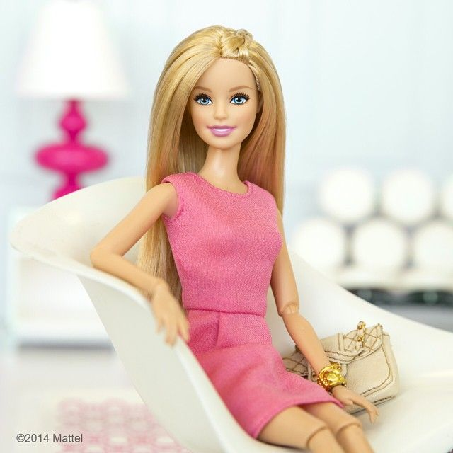 """It's Monday, back to work! #barbie #barbiestyle"""
