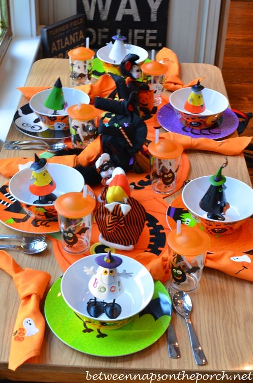 A Booo-ti-ful Setting for Tablescape Thursday & A Booo-ti-ful Setting for Tablescape Thursday | Halloween table ...
