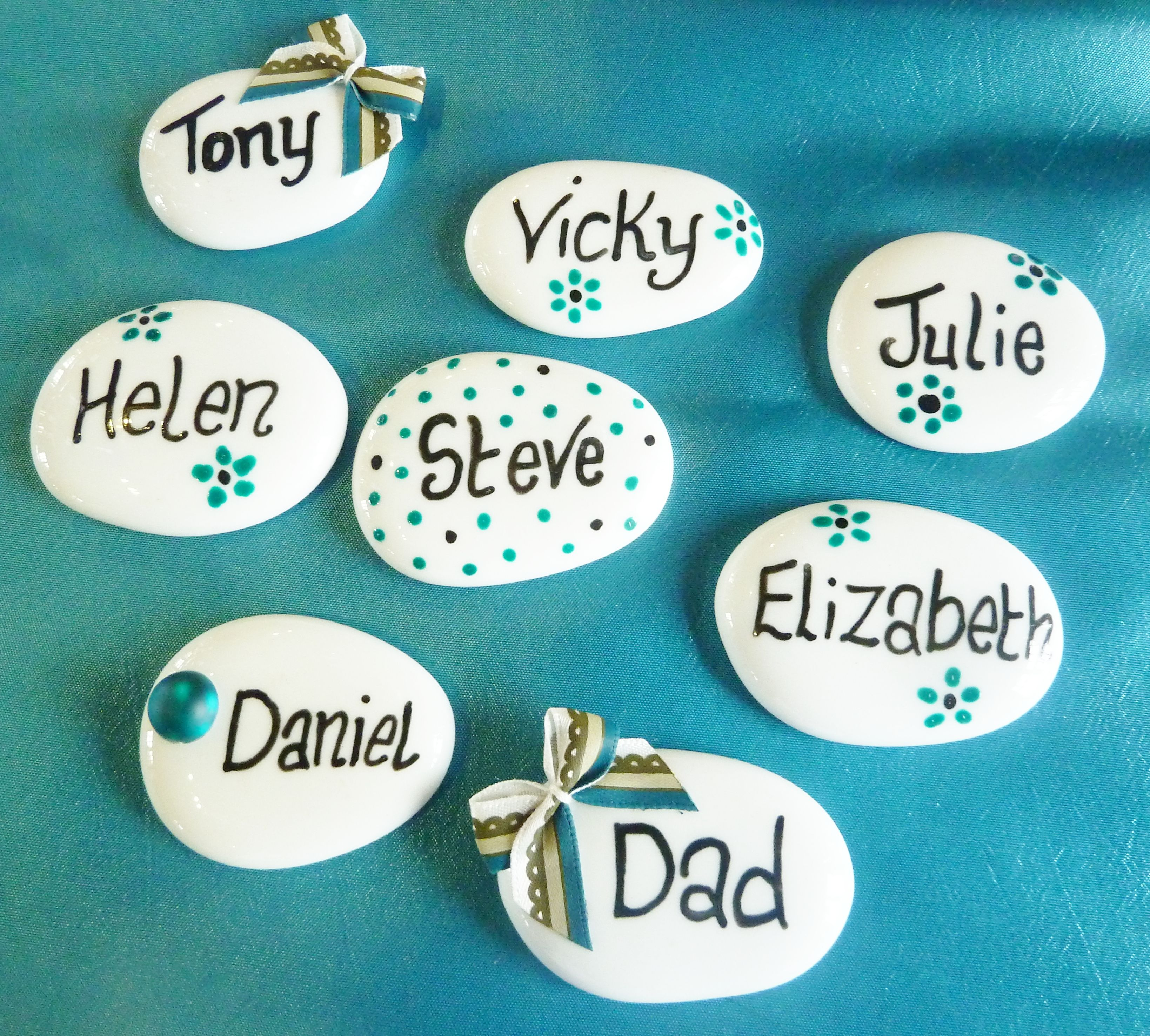 A wedding table name places ♥ | stone painting | Pinterest ...