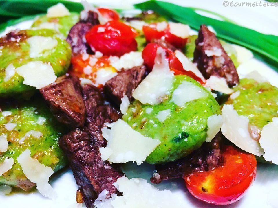 Gourmettatze: ~Bärlauch Gnocchi mit Rinderfilet und karamellisierten Kirschtomaten~
