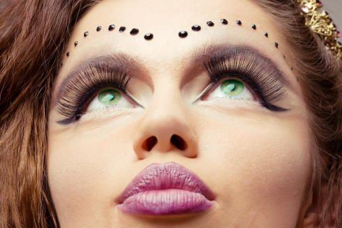 Resultado de imágenes de Google para http://www.sophisticatededge.com/assets/images/Beauty/Slideshow/Multi-Cultural-Makeup.jpg