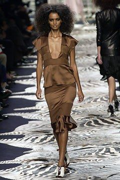 baa1dd3d8e0 Saint Laurent Spring 2004 Ready-to-Wear Collection - Vogue Liya Kebede, Tom  Ford