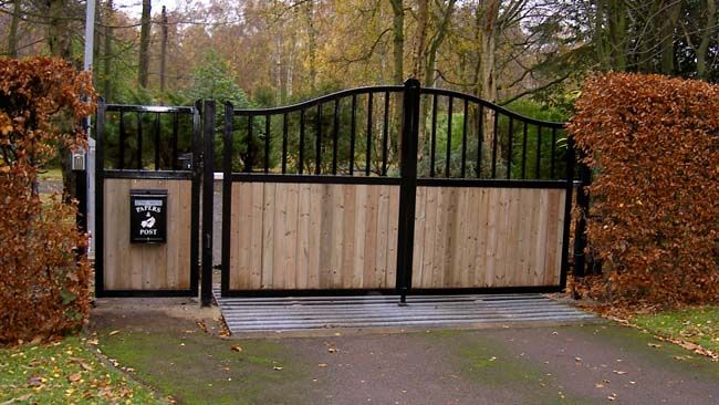 Simple And Elegant Custom Gate Driveway Gates For Sale Wrought Iron Driveway Gates Driveway Gate