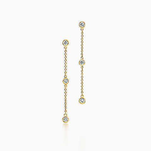 Elsa Peretti® Diamonds by the Yard® drop earrings in 18k gold.