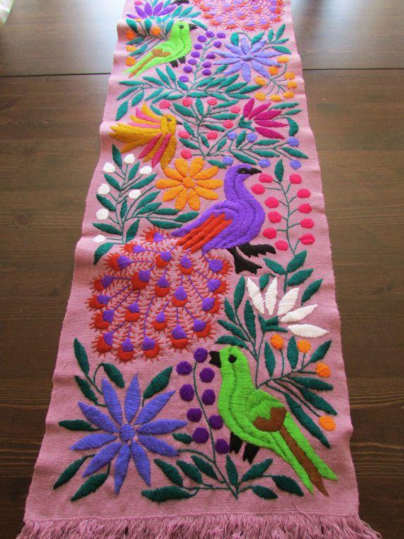 Camino de mesa purpura textil mexicano tejido y bordad a - Manteles de mesa bordados ...