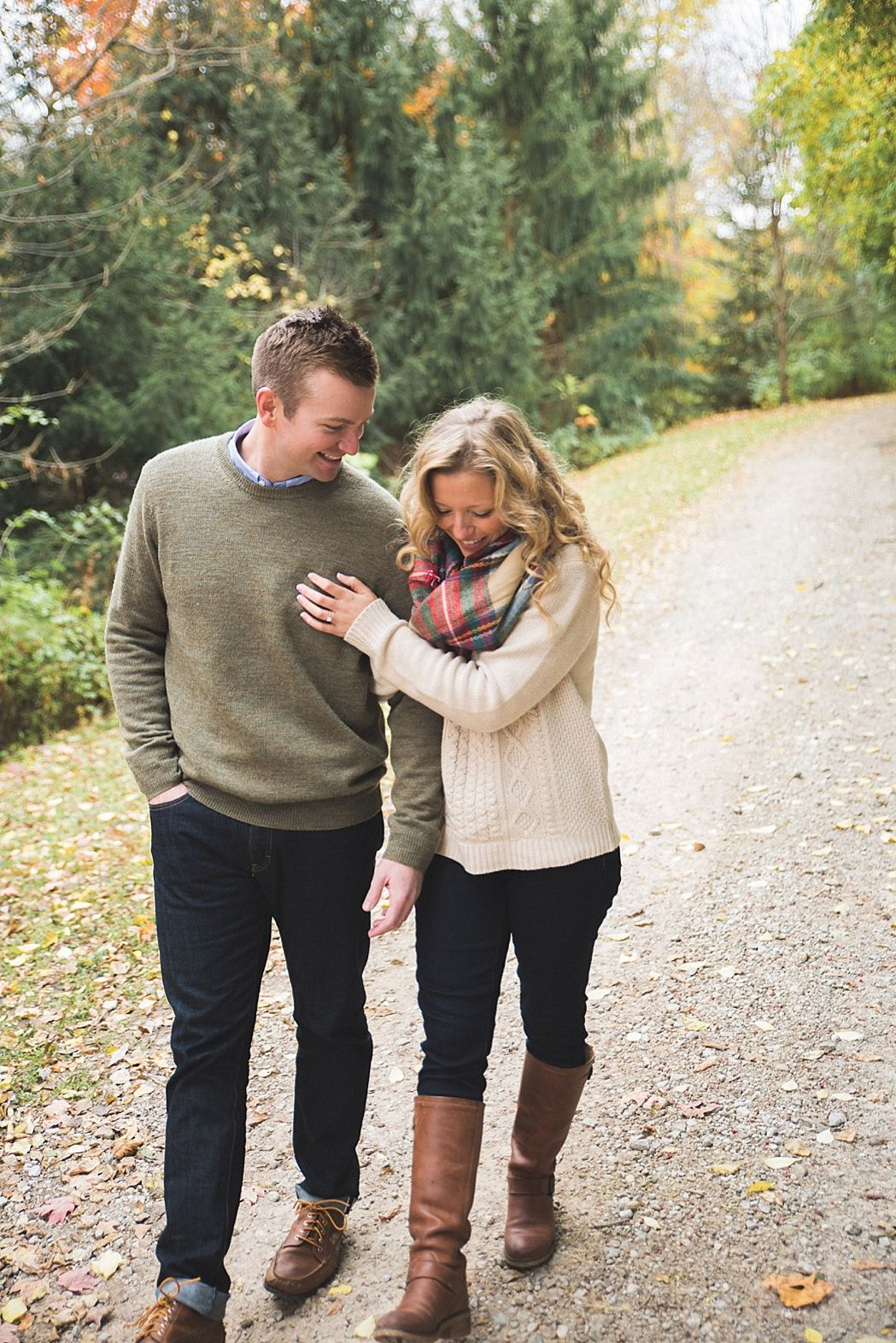 what to wear for engagement photos in fall