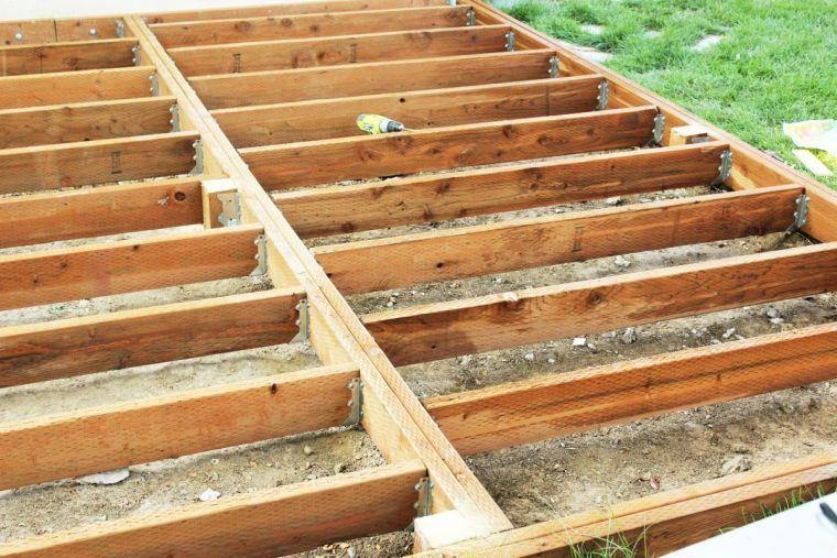 Faire Une Terrasse En Bois   Tuto Détaillé Pour Fabriquer Lu0027ossature Du0027un  Plancher En Bois