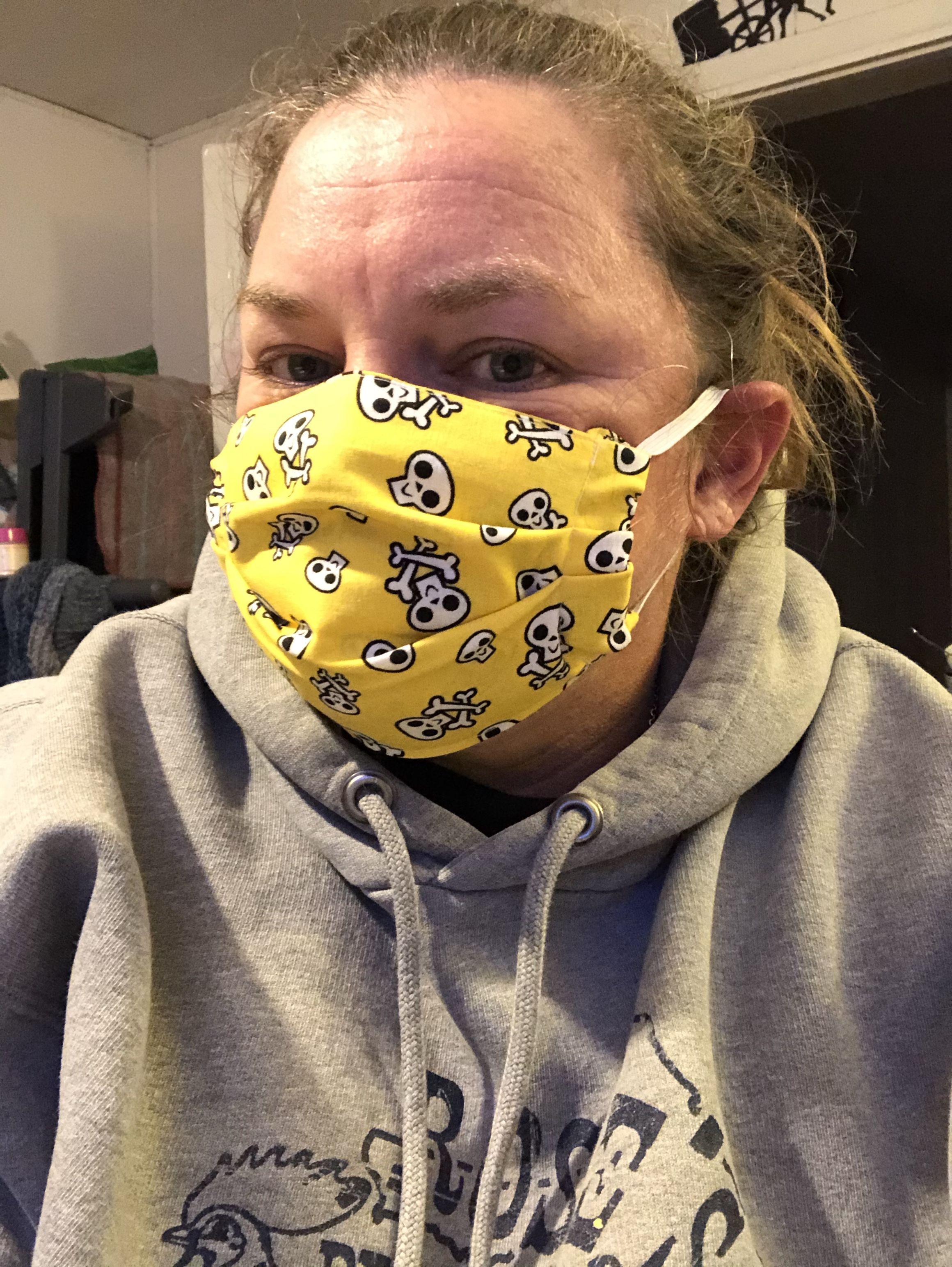 DIY Face Mask (with filter pocket) in 2020 Diy face mask