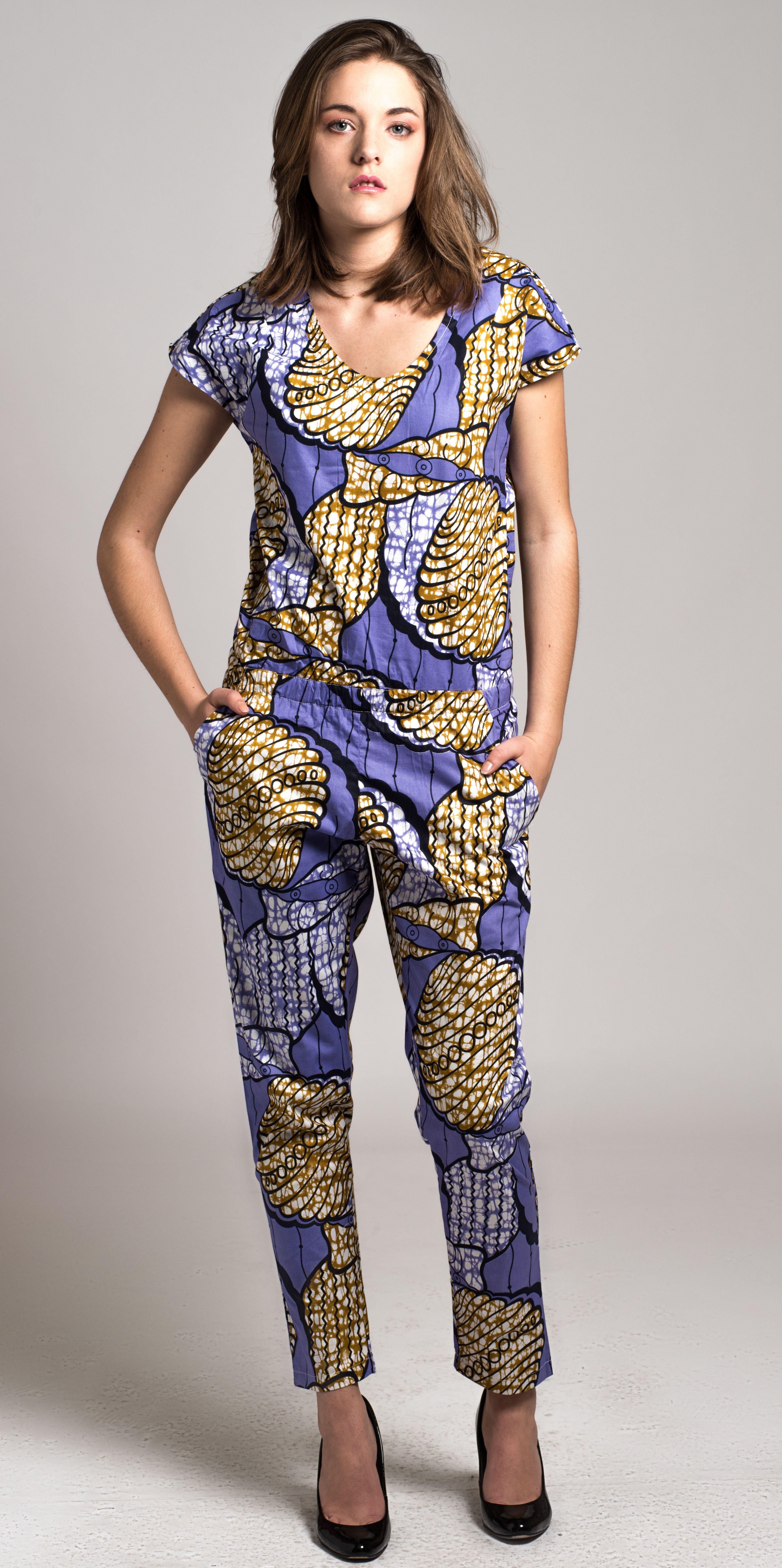 combinaison en wax africain couture wax pinterest combinaisons lieux et tableau. Black Bedroom Furniture Sets. Home Design Ideas