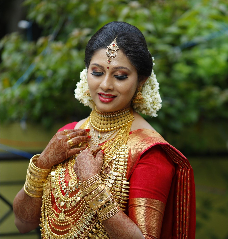Kerala Bride Hindhu: Pin By Krishnendhu On Kerala Hindu Brides