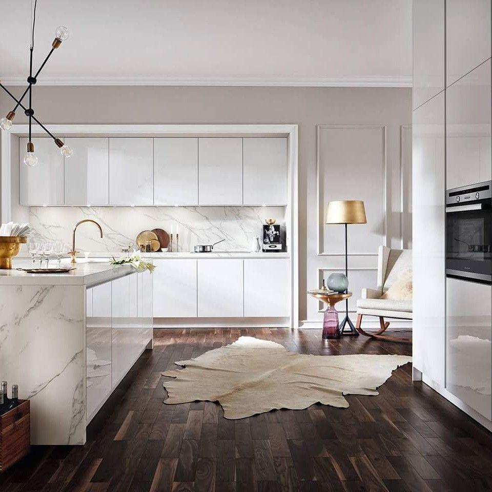 Feinsteinzeugfliese Calacatta Bianco 80 X 80 Cm Weiss Grau Glasiert Bauhaus Kuchenrenovierung Feinsteinzeug Fliesen Weisser Marmor Kuche