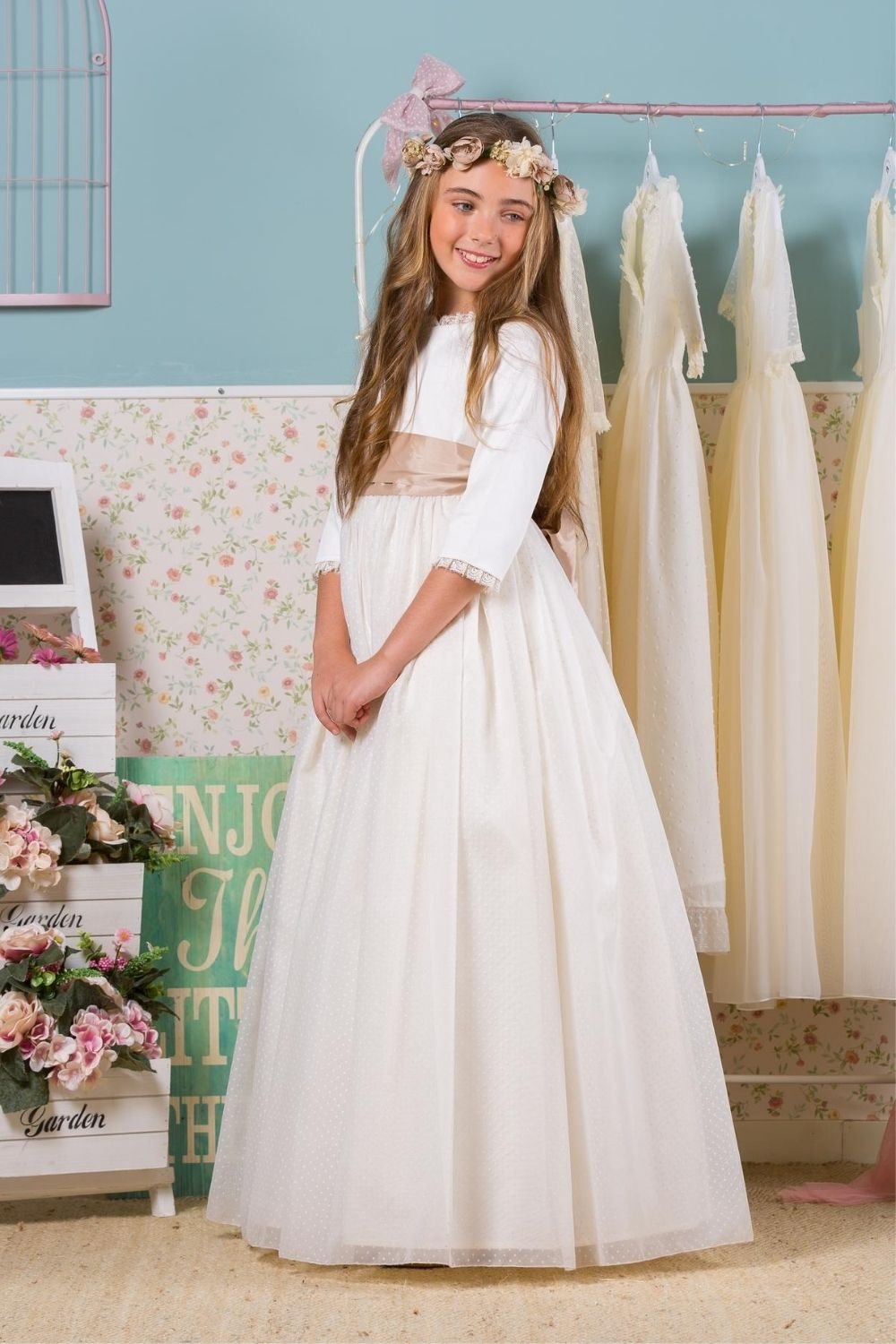 First Holy Communion Dress With Sleeves And Delicate Lace Details First Communion Dresses Holy Communion Dresses Communion Dresses [ 1500 x 1000 Pixel ]