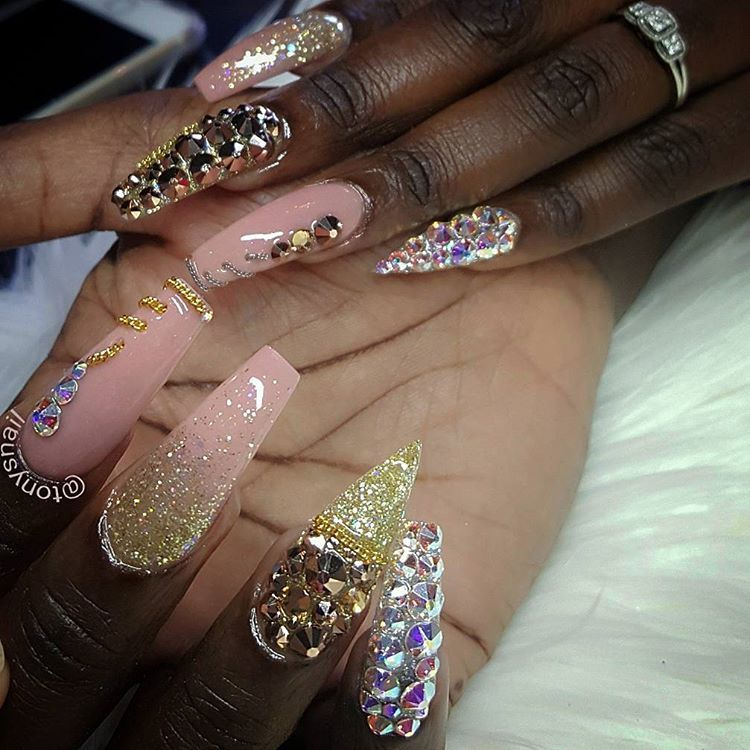 Custom nails design #allpowder #tonyly #highfashion #tonyklaws ...