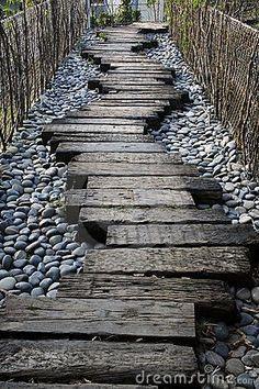 Railway sleepers as path                                                       … -   22 chodnik garden path ideas