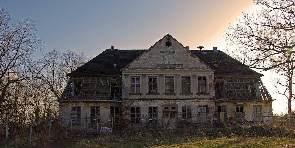 Gutshaus Groß Kussewitz, Stand April 2013 Haus, Burgen