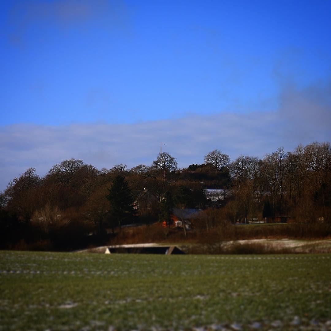 Vestfynsk landskab med Frøbjerg Bavnehøj i baggrunden #beautiful #outdoor #nature #landscape #bestofscandinavia #worldunion #wu_europe #igers #igdaily #igscandinavia #danmark #nofilter #vsco #vscocam #picoftheday #photooftheday #instagood #instamood #instadaily #assens #assensnatur #visitassens #visitdenmark #instapic #instagram #friluftsliv #photo
