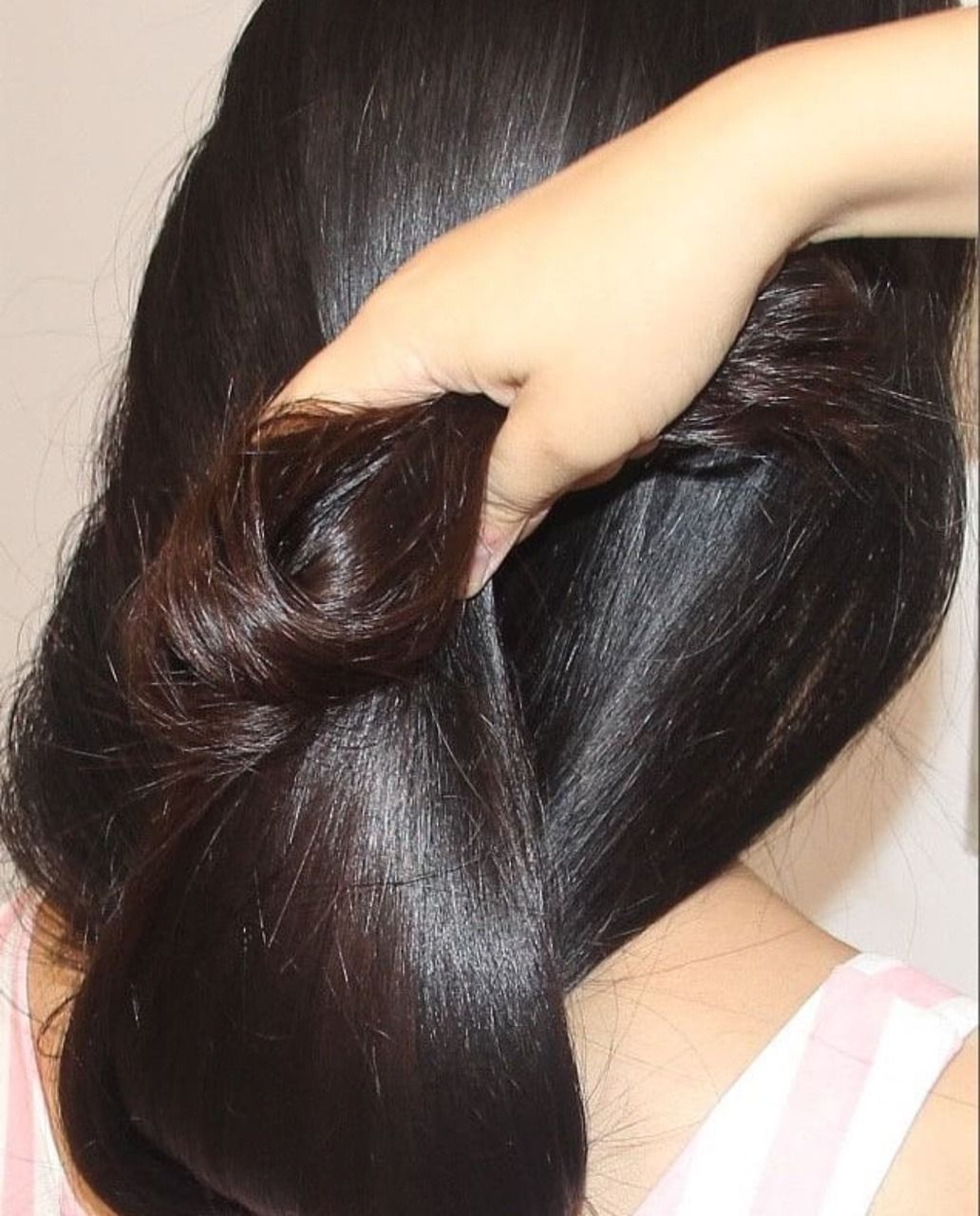 A Mass Of Beautiful Silky Hair Long Hair Styles Long Shiny Hair Long Hair Pictures