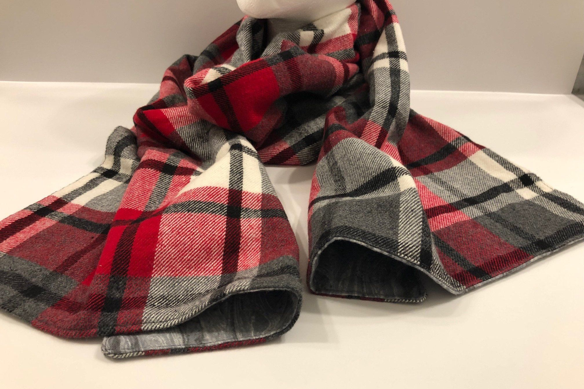 Ladies Girls Boys Men Scarves for Winter Red or Blue Plaid Fleece Scarf Red Blue Tartan Unisex